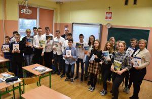 Młodzież o członkostwie w UE. Europejski Uniwersytet Latający w SP 5