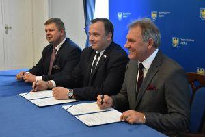 Podpisanie umów na inwestycje w OZE