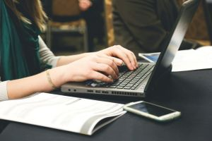 Kolejne środki na zakup laptopów dla uczniów