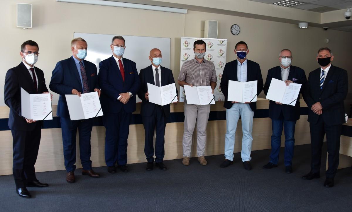 Podpisanie porozumienia w sprawie określenia zasad współpracy przy opracowaniu, realizacji i wdrażaniu Strategii Rozwoju Ponadlokalnego Gmin Powiatu Rybnickiego na lata 2021-2030